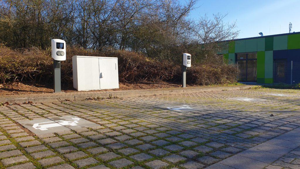 Ladestationen auf dem Parkplatz der TH Bingen, Am Langenstein